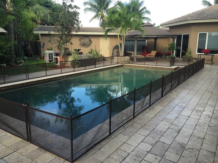 Pet fence diy 24 x 12 do it yourself pool safety fence black do it yourself pet fence black solutioingenieria Choice Image
